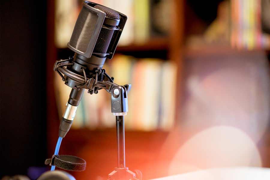 largometraje-tertulianos-en-la-radio